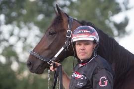 Glen Ord Superb og Geir Vegard Gundersen blir klare favoritter til å vinne 4-års Stjernen på Bjerke onsdag (foto: hesteguiden.com)