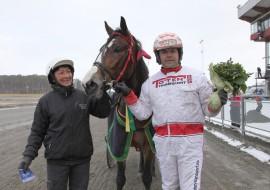 Tao Elda liker seg godt på Leangen – kan Stensen motta blomster også etter V75-5 i dag? (foto: hesteguiden.com)