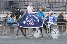 Norheim Faksen og Tom Erik Solberg kan fort spurte til seier i V76-3 – akkurat som de gjorde i Derby  2010 (foto: hesteguiden.com)