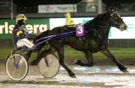 Tar Snurten sin tredje strake seier på fjorten dager sammen med Kristian Malmin i kveld? (foto: hesteguiden.com)