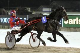Tangen Braute og Geir Flåten er en het vinnerkandidat i den tredje avdelingen på Bjerke i kveld (begge foto: hesteguiden.com)