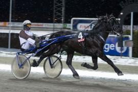 Kjempen var overlegen vinner på Bjerke sist – reprise sammen med Eirik Høitomt i kveld? (begge foto: hesteguiden.com)