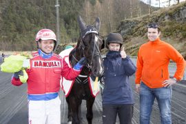 Sørger Torben og Åsbjørn Tengsareid for mer  jubel for kresten rundt seiersmaskinen? (fotos: hesteguiden. com)
