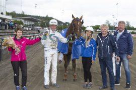 Steinar Holm-trente Hamptons imponerte på OGP-lørdagen – blir det ny seier sammen med H.C. Holm i V76-7 onsdag? (foto: hesteguiden.com)
